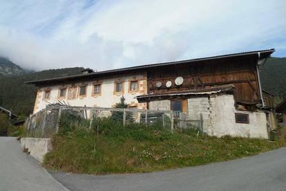 Bauernhaus in schöner Lage auf ca. 1.000m Höhe - Nähe Telfes/Innsbruck