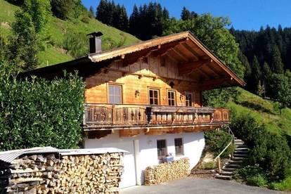 Hochwertiges Wochenendhaus in Hüttenstil in 1.000m Alleinlage - Nähe Brixen im Thale