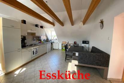 schöne Wohnung in Ulmerfeld direkt am Marktplatz mit sehr guter Infrastruktur