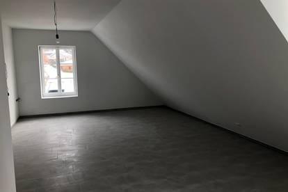 Dachgeschosswohnung saniert, Erstbezug 50m2