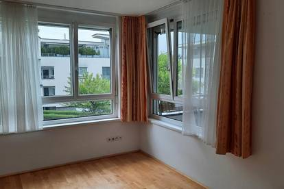 Freundliche 2-Zimmer-Wohnung mit West-Balkon, USI-Nähe