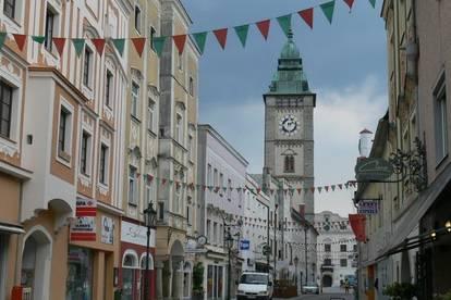 Provisionsfrei! Erstbezug! Generalsanierte 2-Zimmer-Wohnung in Linzer Str., 150 Meter vom Hauptplatz