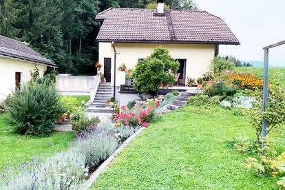 Schönes kleines Haus mit großem Garten direkt am Mondsee zur Miete - Provisionsfrei