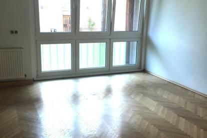 Vermiete eine sehr schöne 95 m2 Wohnung (WG geeignet) in der Lederergasse in Linz