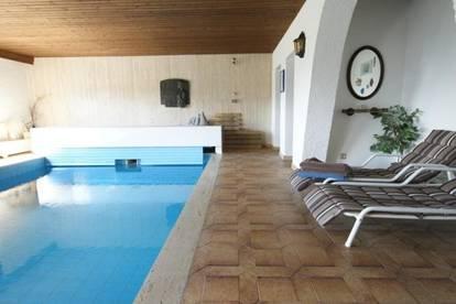 Villa mit Hallenbad im Großraum Zell am See