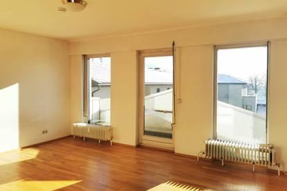 Kleine, helle Wohnung am Hauptplatz mit Mini-Süd-Balkon