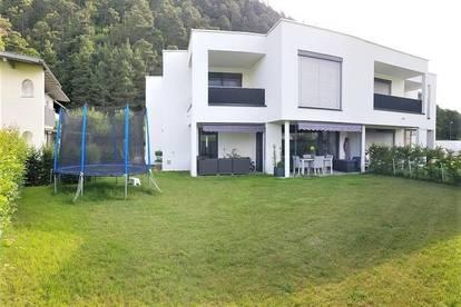 Moderne-helle-sonnige Gartenwohnung