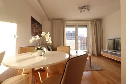 Modern, Stillvoll mit Balkon und neu Renoviert
