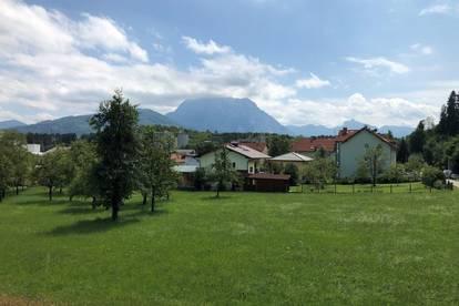 Helle Dachgeschoßwohnung in Pinsdorf (Raumhöhe: 2,70 m)