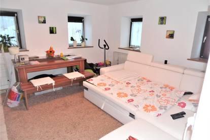 2 Zimmerwohung in St Gertraudi, im EG mit Einbauküche und Stellplatz ohne Provision