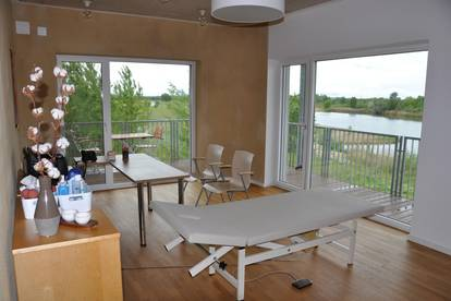 Wunderschönes neuwertiges Büro direkt am See mit Ausblick, Terrassen und Parkplatz