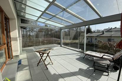 Charmantes Haus mit Wintergarten und gepflegtem Garten in absoluter Ruhelage