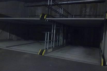 Sicherer Garagenplatz Nähe Gürtel an der Neustiftgasse