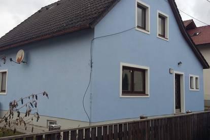 Kleines Wohnhaus mit Garten, Nähe Krankenhaus.