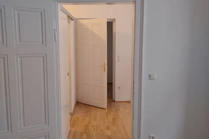 Top renovierte 2-Zimmer-Altbauwohnung im 6. Bezirk von privat