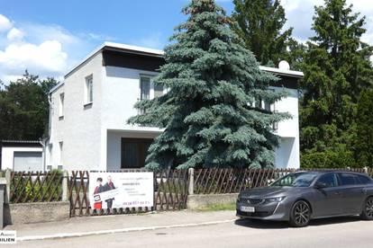 Familienhit mit 7 Zimmern, Garage, Garten