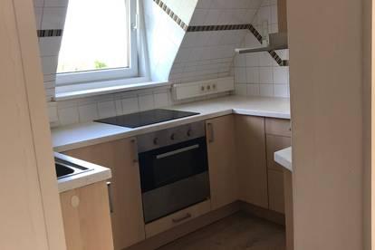 Linz-St.Martin/Traun - Stadtrand, 3 Raum Mansardenwohnung mit Charme, ca. 70 m2; Balkon, Garten,