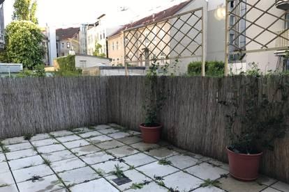 Möbliertes Single Studio 39m2 mit Terrasse 24m2. U-bahn und Strassenbahnen vor der Tür.
