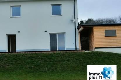 Provisionsfrei: schlüsselfertige Doppelhaushälfte mit Luftwärmepumpe, Terrasse, Garten und Carport