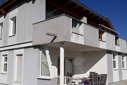 neuwertiges Grosses EF-Haus 220m² plus Keller 68m²    Ruhige zentrale Lage !!!   Sackgsse !!!   788m² Grund