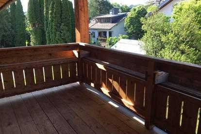 Großzügige Wohnung mit Balkon