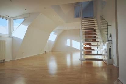 Andräviertel: Sonnige Dachterrassenwohnung mit Galerie