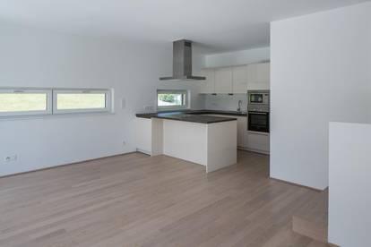 Mietwohnung in Morzg: Stilvolle 2-Zimmerwohnung mit Balkon in Bestlage