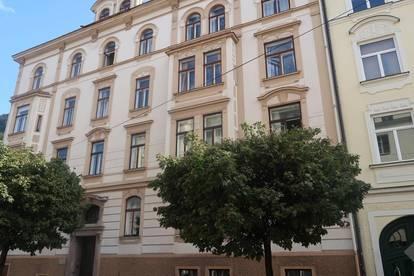 Andräviertel: Schöne 2-Zimmer DG Wohnung, Altbau