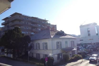 Nähe LKH! Garcionnere mit Balkon und Tiefgarage!