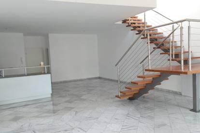 Dachgeschosswohnung auf 2 Ebenen in zentraler Lage