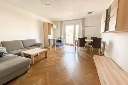 Helle 2 Zimmer Wohnung mit unverbautem Ausblick ins Grüne mit eigenem Parkplatz!