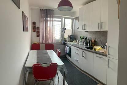 Schöne helle 2,5-Zimmer Wohnung in Lehen zu vermieten