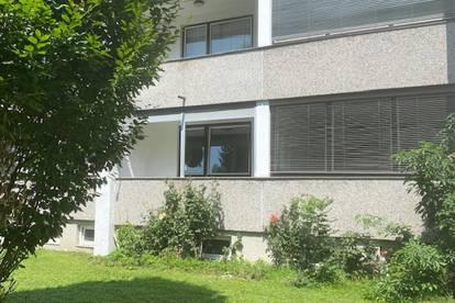 LEBENSWERTES LEHEN: Gepflegte 4,5-Zimmer-Wohnung mit Loggia und Grünblick in Ruhelage