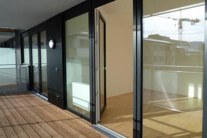 ANDRÄVIERTEL: Sonnige, großzügige 2-Zimmer-Terrassenwohnung mit Tiefgaragenplatz