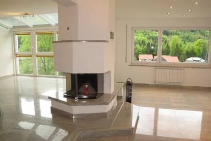 HEUBERG: Exklusive 3-Zimmer-Terrassen-Wohnung in charmantem Landhaus