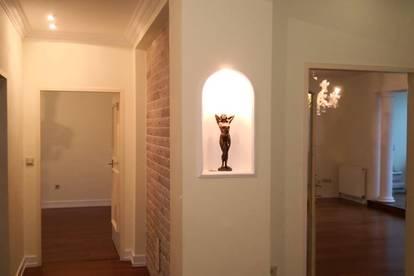 PROVISIONSFREI --- Italienischer Designer Wohntraum unter dem Dach --- nur 875€