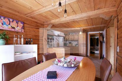 Großzügige Wohnung mit Bauernhauscharakter