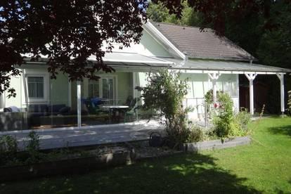Liebevoll gepflegtes Einfamilienhaus mit Pool und XXXL Garten im Zentrum von Timelkam