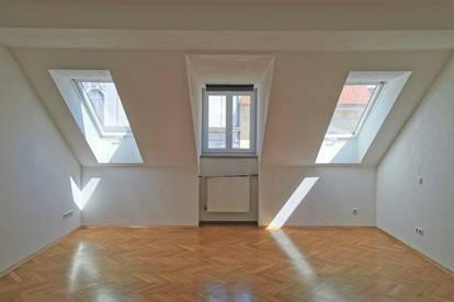 2 Zimmer Wohnung in der Goethestraße - beste Lage im Univiertel!