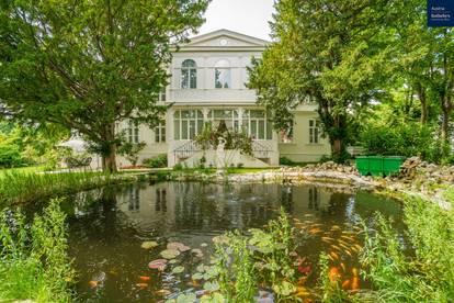 Wunderschöne, architektonisch beeindruckend sanierte Villa in zentraler Lage