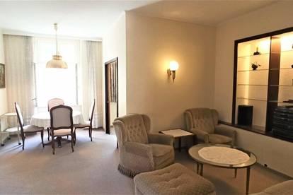 Elegante Altbau-Wohnung mit Gästezimmer