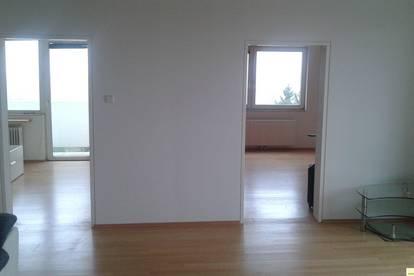 Helle, freundliche 3 Zimmer Wohnung mit 2 Balkone