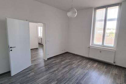 renovierte Wohnung ( auch gerne Studenten)