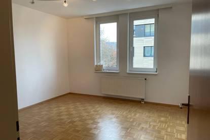 Wunderschöne, helle, zentrale 40 m2 Wohnung nahe Parkbad zu vermieten