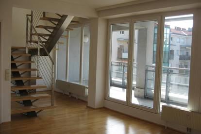 Maisonettenwohnung zentral gelegen, Nähe Raiffeisenlandesbank, Kepler Univ. Klinikum.