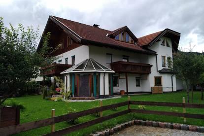 Große Wohnung in Lechaschau mit Wintergarten und Gartenanteil