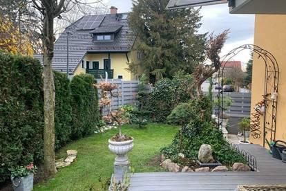 Wohnhaus mit großzügigem Garten