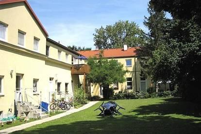 3-Zimmer Wohnung in zentraler Lage mit Balkon und Gemeinschaftsgarten - Nähe U-Bahn Linie U1