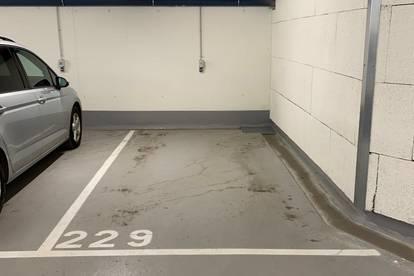 Neubau Quartier Rauchmühle: Heller Tiefgaragenstellplatz in Salzburg zu vermieten!