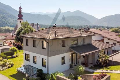 Sonniges Einfamilienhaus mit großem Grundstück